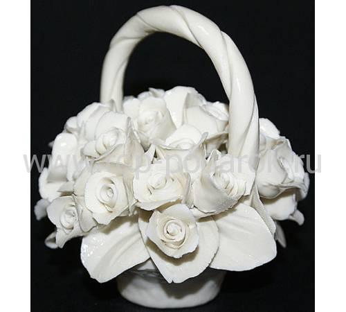 Декоративная корзина с ручкой с розами Artigiano Capodimonte 0210/26